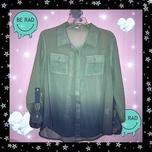 💙 💉 Gradient Button Up Blouse 💉 💙